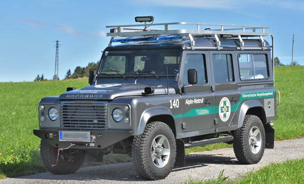 Land Rover mit Seilwinde