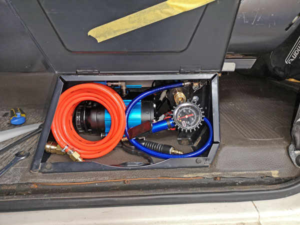 ARB Kompressor im Puch G
