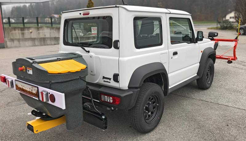 Suzuki Jimny 2018 mit Streugerät